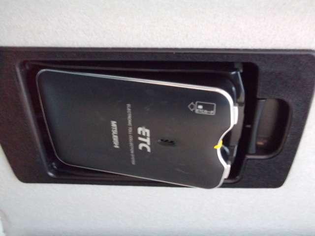 20CS ナビ 地デジTV 両側電動スライドドア スマートキー ライトレベライザー リアワイパー 7人乗り ABS ダブルエアバッグ オートマ車(19枚目)