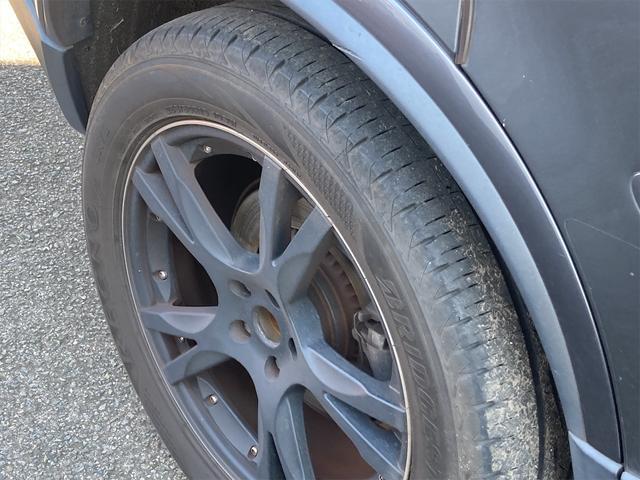 V8 TE AWD 本革パワーシート サンルーフ 純正HDDナビ フルセグTV バックモニター ETC キセノンライト フォグランプ ターンランプ キーレス ルーフレール 社外19インチAW 純正アルミスタッドレス付有(39枚目)