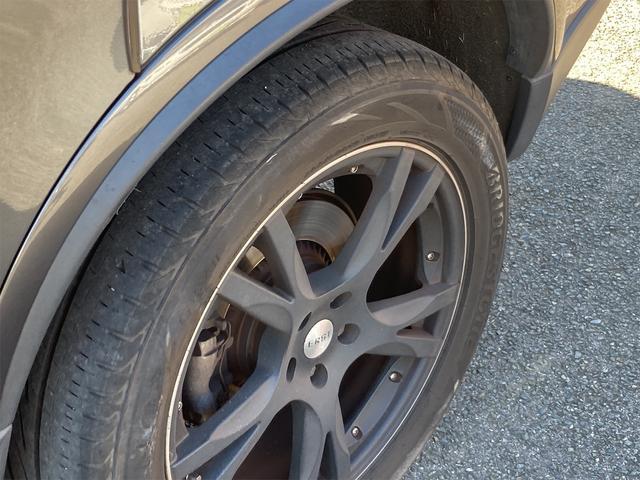 V8 TE AWD 本革パワーシート サンルーフ 純正HDDナビ フルセグTV バックモニター ETC キセノンライト フォグランプ ターンランプ キーレス ルーフレール 社外19インチAW 純正アルミスタッドレス付有(43枚目)