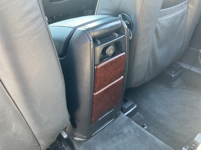V8 TE AWD 本革パワーシート サンルーフ 純正HDDナビ フルセグTV バックモニター ETC キセノンライト フォグランプ ターンランプ キーレス ルーフレール 社外19インチAW 純正アルミスタッドレス付有(62枚目)