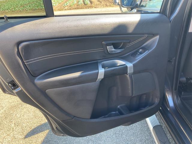 V8 TE AWD 本革パワーシート サンルーフ 純正HDDナビ フルセグTV バックモニター ETC キセノンライト フォグランプ ターンランプ キーレス ルーフレール 社外19インチAW 純正アルミスタッドレス付有(64枚目)