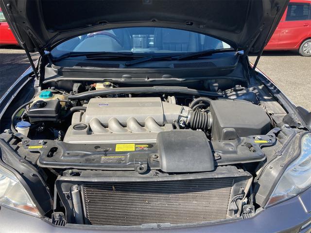V8 TE AWD 本革パワーシート サンルーフ 純正HDDナビ フルセグTV バックモニター ETC キセノンライト フォグランプ ターンランプ キーレス ルーフレール 社外19インチAW 純正アルミスタッドレス付有(80枚目)