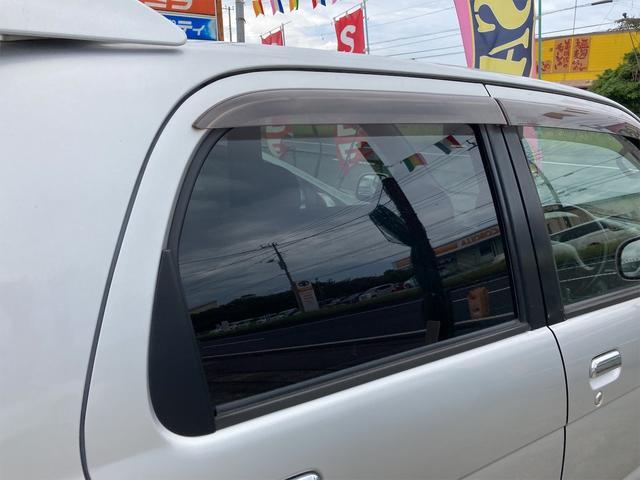 カスタムL キーレス CDオーディオ 背面タイヤ ドアバイザー リアワイパー リアスポイラー フォグランプ 純正15インチアルミ ダブルエアバッグ オートマ車(18枚目)