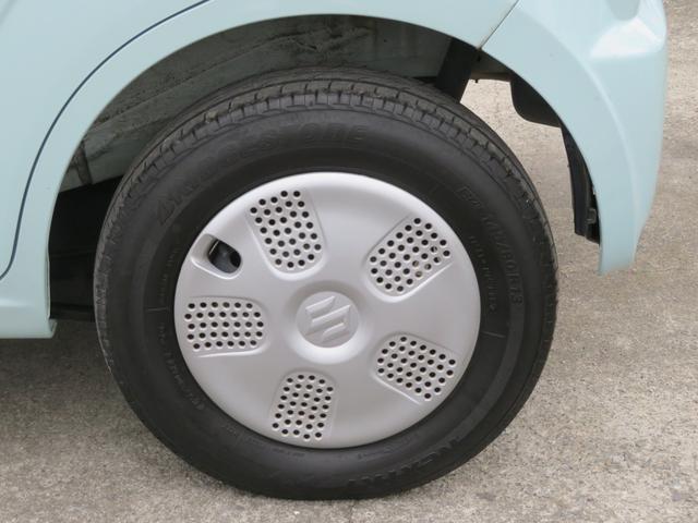 純正のホイールが装備されています。タイヤの溝もたっぷり!