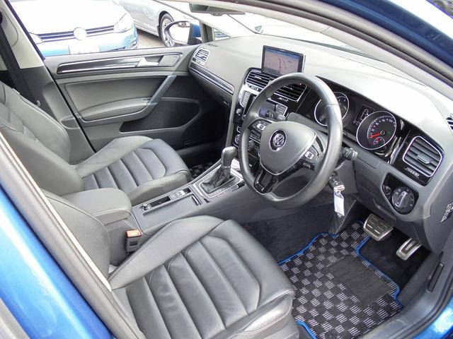 フォルクスワーゲン VW ゴルフ TSIハイライン BMT 黒革シート ACC フルセグ付ナビ