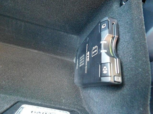 240G Lパッケージアルカンターラセレクション 禁煙車 HDDナビ フルセグ パワーバックドア キーレス HID ETC Bカメラ オートライト(8枚目)