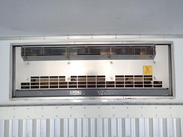 低温冷凍車 パワーゲート 積載3.15t(15枚目)