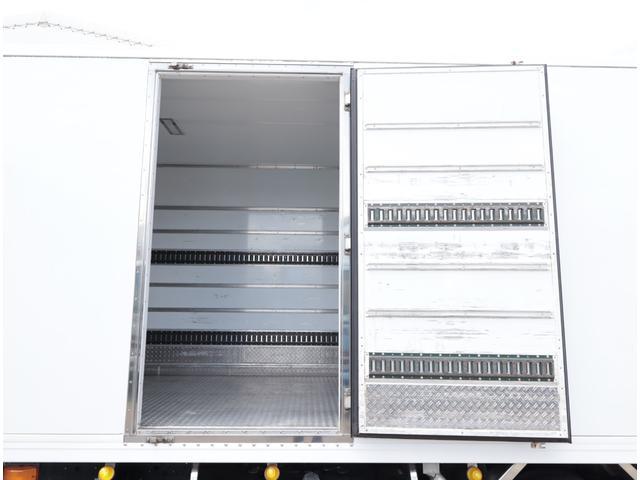 低温冷凍車 パワーゲート 積載2.7t(6枚目)