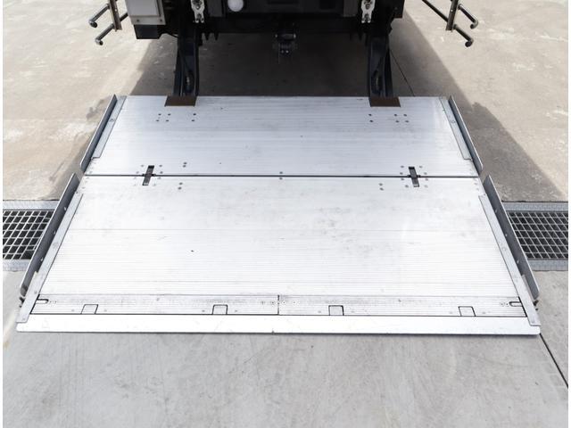 低温冷凍車 パワーゲート 積載2.7t(8枚目)