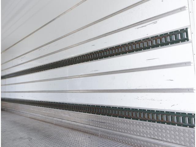 低温冷凍車 パワーゲート 積載2.7t(13枚目)