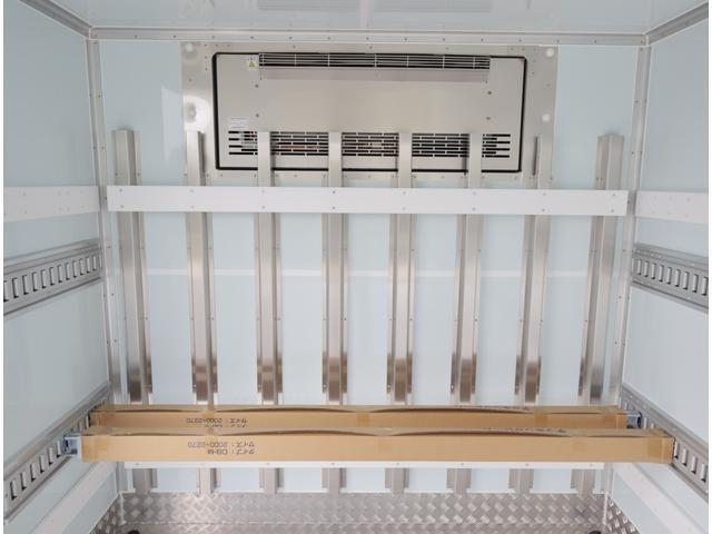低温冷凍車 パワーゲート 積載3t(16枚目)