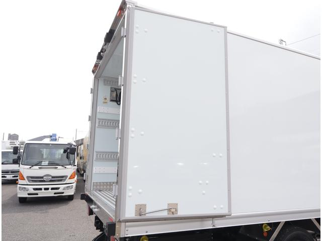 低温冷凍車 パワーゲート 積載3t(20枚目)