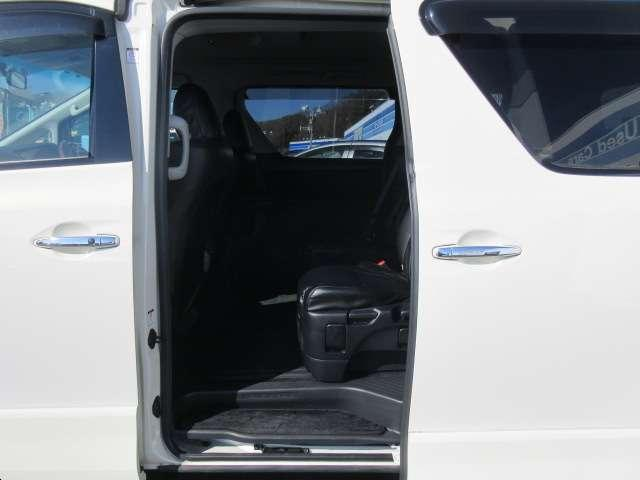 240S 1オーナー後席モニター両側自動スラ革調シートカバー(17枚目)