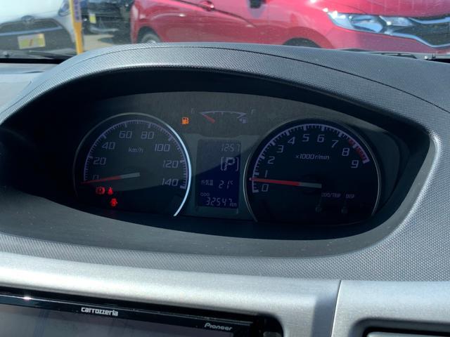 カスタムRリミテッド 禁煙車 1オーナー SDナビ 12セグTV HIDライト フォグランプ スマートキー プッシュスタート フルエアロ ルーフスポイラー CD DVD ブルートゥース 純正14インチアルミ オートエアコン(26枚目)