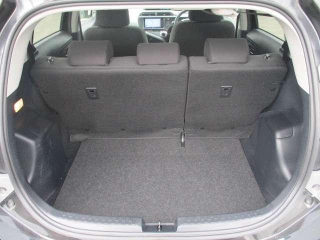 トヨタ アクア S スマートエントリーパッケージ