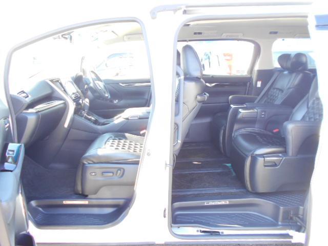トヨタ アルファード 2.5S Cパッケージ 後席モニター シートカバー 地デジ