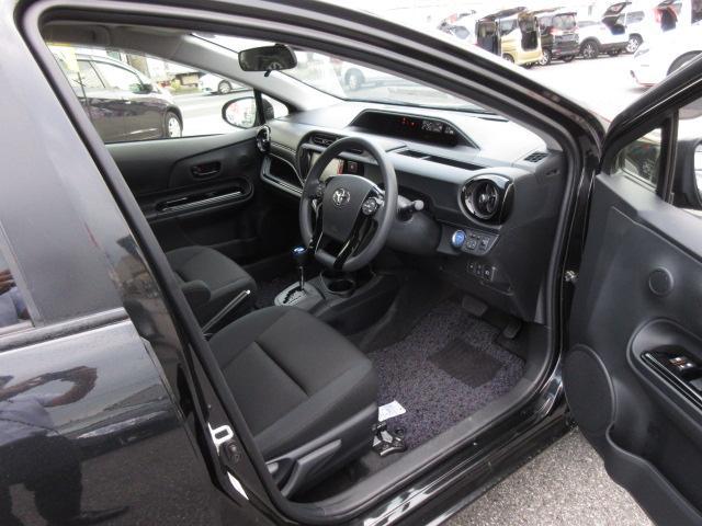 トヨタ アクア Sスタイルブラック 後期 禁煙 衝突軽減ブレーキ 寒冷地仕様