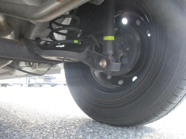 F 禁煙車 純正オーディオ&CD&AUX 横滑り防止 キーレス ヘッドライトレベライザー ダブルエアバック(31枚目)