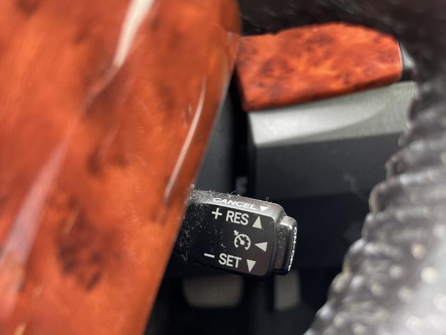 G 純正9インチナビ 社外17ホイール ローダウン パワーシート ハーフレザー フルセグ CD DVD ブルートゥース バックカメラ ETC 社外グリル ワンオーナー スマートキー プッシュスタート(23枚目)