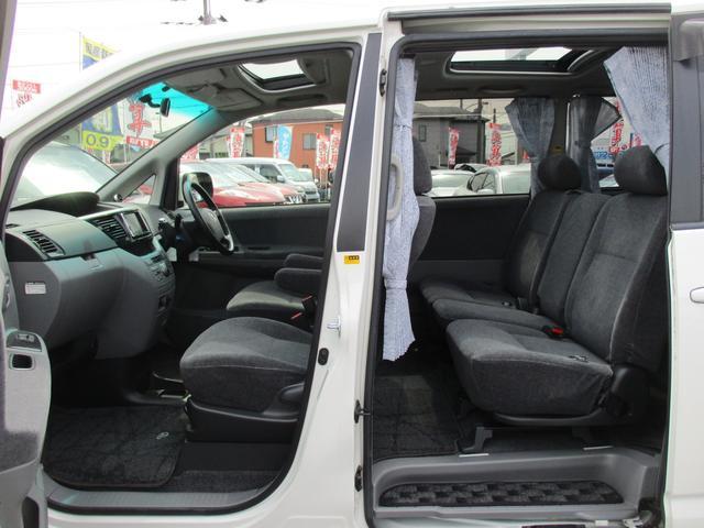 トヨタ ヴォクシー X Vエディション4WD後期型サンル-フ両側自動 HDDナビ