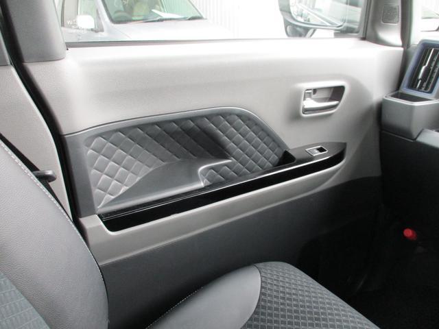 カスタムRS スーパーロングスライドシート・ターボ・ディスプレイオーディオ・パノラマモニター・CD・AUX・衝突軽減ブレーキ・クルーズコントロール・コーナーセンサー・ハーフレザーシート・両側電動スライドドア・ETC(18枚目)