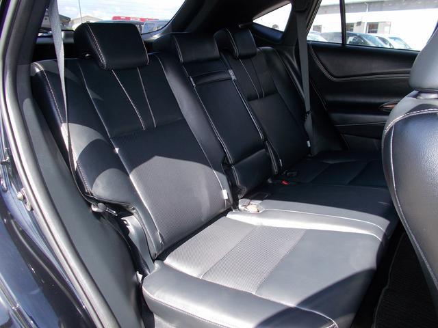 トヨタ ハリアー プレミアム 4WD 電動バックドア 本革電動シート SDナビ