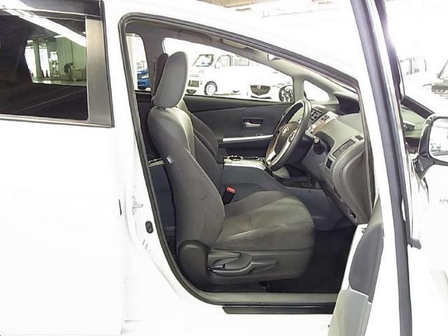 トヨタ プリウスアルファ S 7人乗り SDナビ  スマートキー クリアランスソナ-