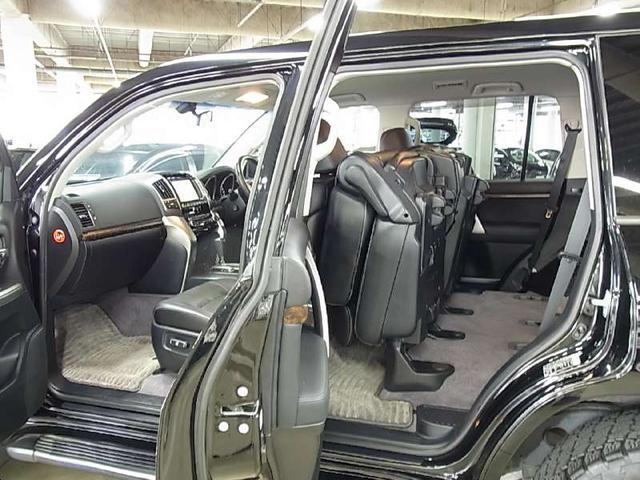 トヨタ ランドクルーザー AX Gセレクション モデリスタエアロ 社外18インチアルミ