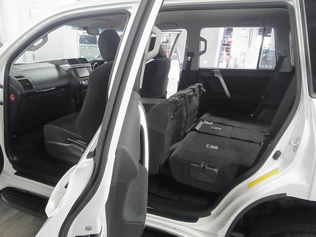 TX 4WD ディーラーオプションSDナビ バックモニター BLUETOOTHオーディオ ワンセグTV ビルトインETC スマートキー&プッシュスタート スペアキー有 純正17インチAW オートライト 禁煙(24枚目)