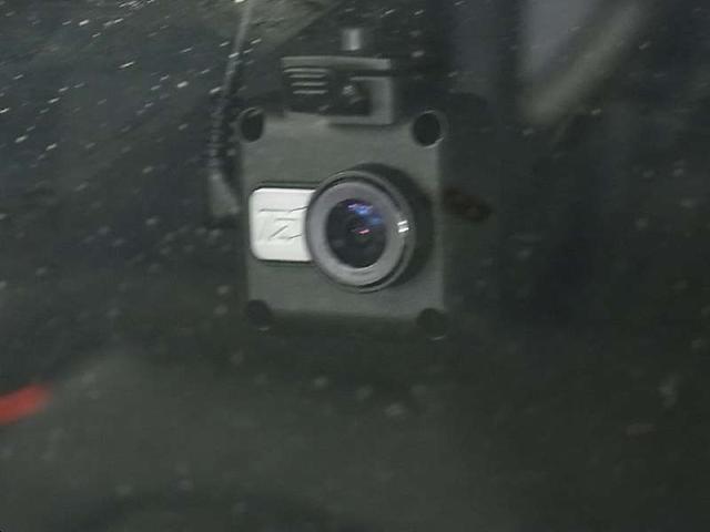 218iアクティブツアラー ラグジュアリー インテリジェントセーフティ ドライブレコーダー パワーバックドア メモリー付黒革電動シート シートヒーター アイドリングストップ クリアランスソナー iDrive バックカメラ BTオーディオ 禁煙車(18枚目)