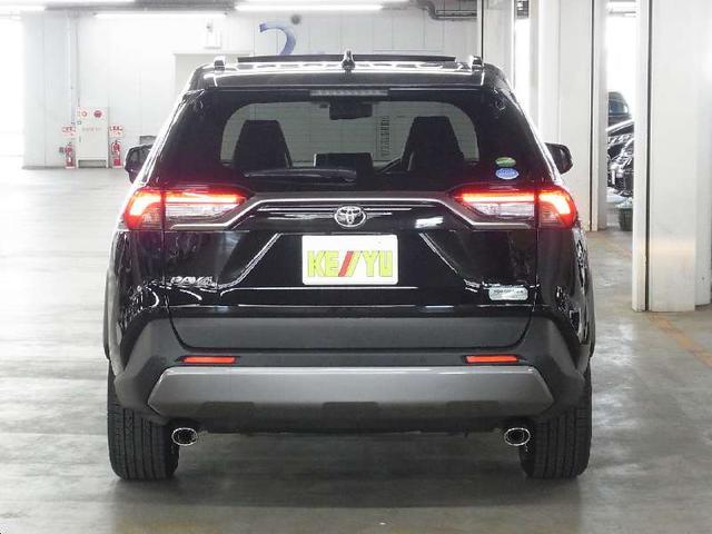 G Zパッケージ 4WD 1オーナー パノラマムーンルーフ デジタルインナーミラー プリクラッシュセーフティ レーントレーシングアシスト レーダークルーズ パワーバックドア メモリ付黒革電動シート シートヒーター 禁煙(6枚目)