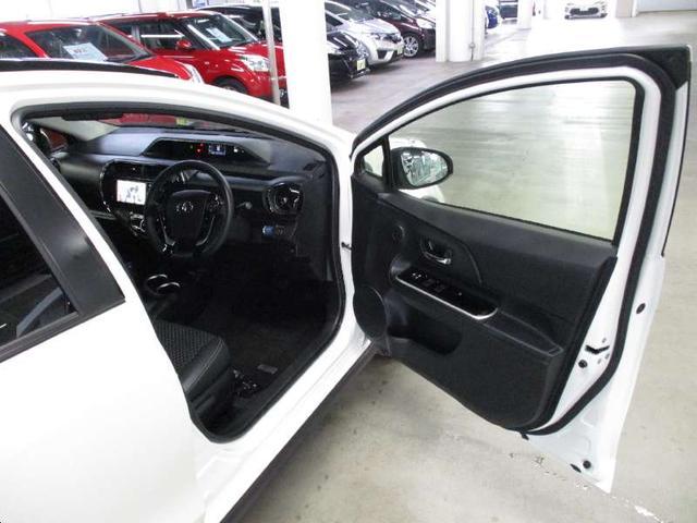 クロスオーバー 禁煙 後期型 トヨタセーフティセンス 純正フルセグSDナビ バックカメラ ETC ルーフレール ハーフレザーシート シートヒーター LEDライト 純正16インチアルミ スマートキー Bluetooth(11枚目)