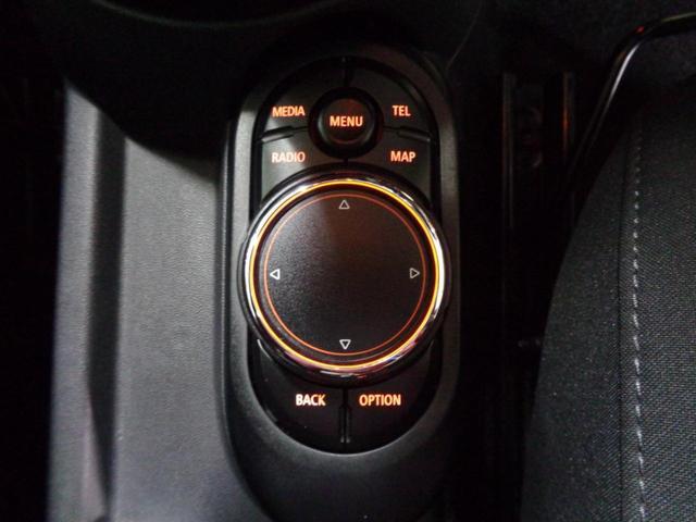 クーパーS 5ドア 1オーナー ブラックルーフ 純正HDDナビ Bluetoothオーディオ USB・AUX接続 ミラー一体ETC アイドリングストップ コンフォートアクセス 純正16インチアルミ 記録簿 禁煙車(34枚目)