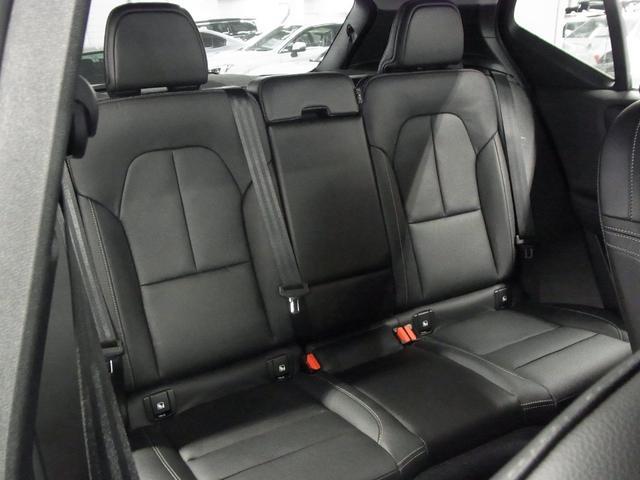 T4 AWD インスクリプション パノラマガラスサンルーフ ハーマンカードン 前後シートヒーター 黒革電動シート ワイヤレス充電 全方位カメラ パワーバックドア ステアヒーター インテリセーフ 純正ナビTV Bluetooth ETC(13枚目)
