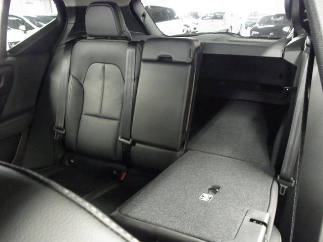 T4 AWD インスクリプション パノラマガラスサンルーフ ハーマンカードン 前後シートヒーター 黒革電動シート ワイヤレス充電 全方位カメラ パワーバックドア ステアヒーター インテリセーフ 純正ナビTV Bluetooth ETC(26枚目)