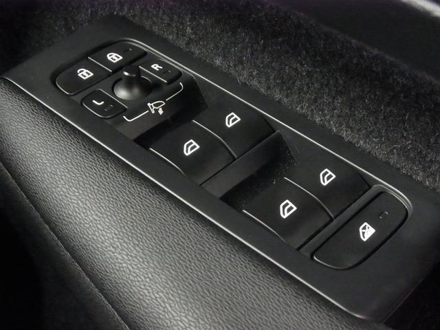 T4 AWD インスクリプション パノラマガラスサンルーフ ハーマンカードン 前後シートヒーター 黒革電動シート ワイヤレス充電 全方位カメラ パワーバックドア ステアヒーター インテリセーフ 純正ナビTV Bluetooth ETC(59枚目)