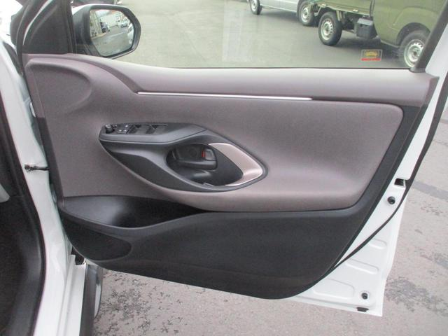 ハイブリッドZ サイドデカール・ブラインドスポットモニター・禁煙・レーダークルコン・LED・オートハイビーム・ETC2.0・ディスプレイオーディオ・BTオーディオ・コーナーセンサー・レーンキープ・シートヒーター(19枚目)