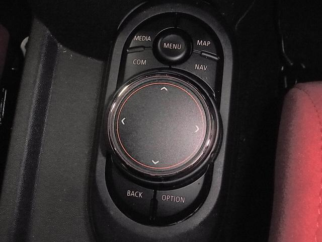 ジョンクーパーワークス 後期 RECAROセミバケ2脚 ハーマンカードン HUD ACC ドラレコ 純正HDDナビ バックカメラ Bluetooth ETC2.0 パドルシフト LEDヘッドライト スペアキー 保証書 禁煙車(18枚目)