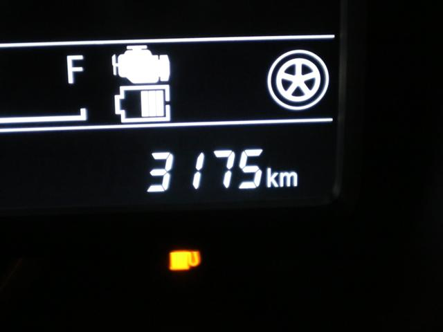 ハイブリッドXZ ターボ デュアルセンサーブレーキサポート シートヒーター 両側電動スライド クルコン パーキングセンサー アイドリングストップ 後席テーブル パドルシフト LEDヘッドライト ルーフレール スペアキー 禁煙車(21枚目)