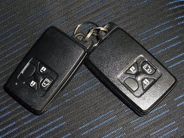プラタナ Vセレクション 純正SDナビ バックカメラ Bluetoothオーディオ フルセグTV CD・DVD ETC ミュージックサーバー パワースライドドア プラズマクラスター HIDオートライト スマートキー スペアキー(35枚目)