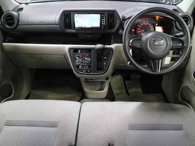 X ストラーダSDナビ 12セグTV BluetoothAudio CD&DVD再生 メモリーミュージック ETC アイドリングストップ キーレスエントリー 横滑り防止装置 禁煙車(4枚目)