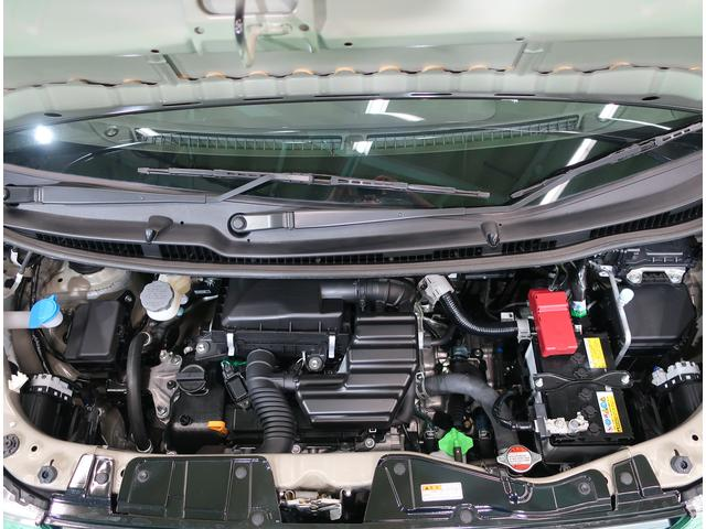 エンジンルームもキレイです!キレイなエンジンルームはしっかり整備をしてきた証しですね!もちろん点検整備後の納車です♪