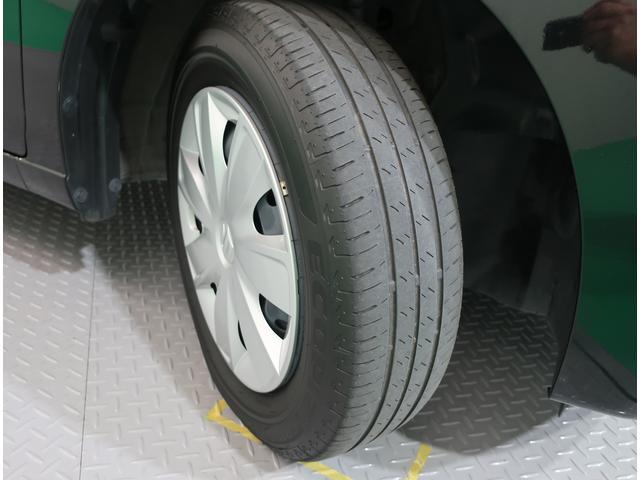 4本タイヤの溝もしっかり残っております。