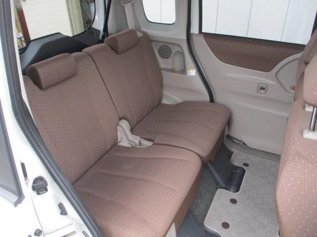 快適で広々空間のリヤ席!