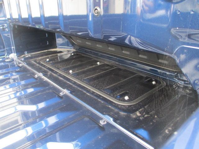 荷台の奥には空間があり、お好きな使い方が出来ます。
