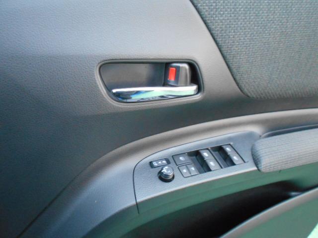 ファンベースG SDナビ 地デジ Bモニター 両側自動ドア スマートキー ワンオーナー(12枚目)