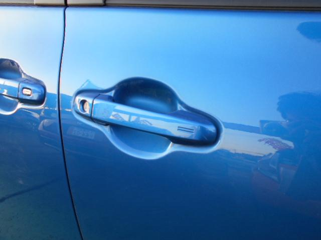 ファンベースG SDナビ 地デジ Bモニター 両側自動ドア スマートキー ワンオーナー(18枚目)