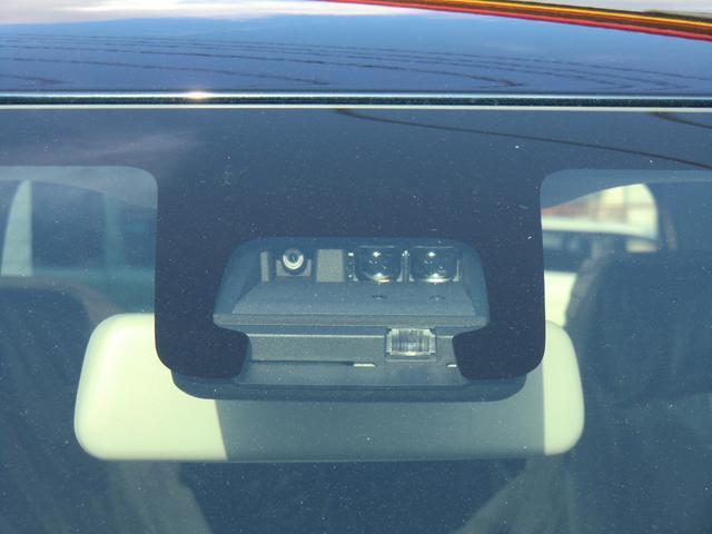 安全装備の人も車も検知して衝突回避をサポートする「デュアルセンサーブレーキサポート」付きです!