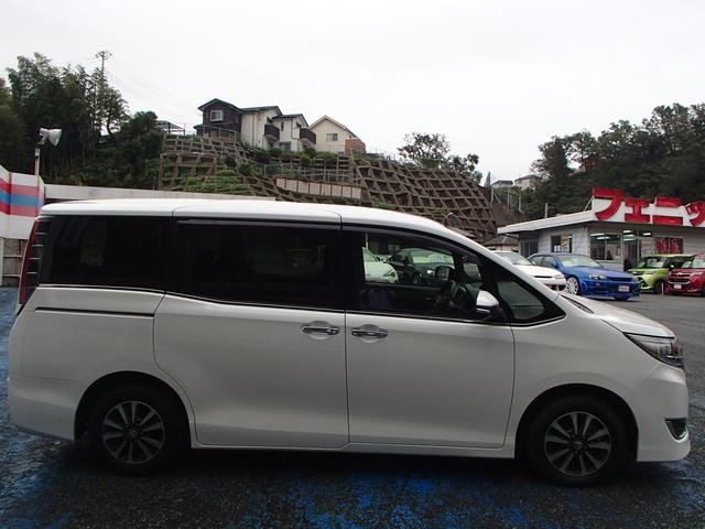 「トヨタ」「エスクァイア」「ミニバン・ワンボックス」「神奈川県」の中古車9