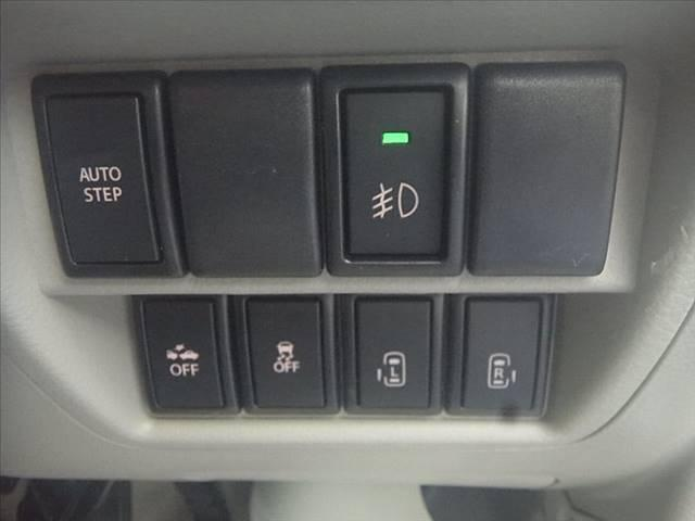 ハイルーフ!衝突軽減!フルセグSDナビ!Bカメラ!スマートキー!Pスタート!HID!オートステップ!ETC!ウィンカーM!外LEDテール!DVD再生!音楽録音!USB&Bt&SD接続!